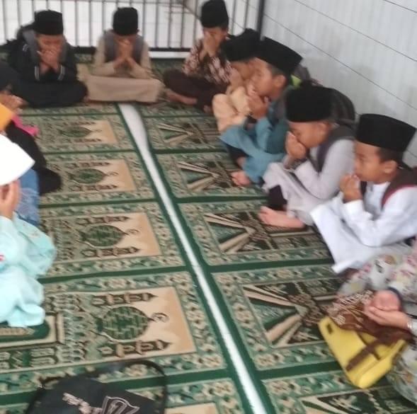 Kelas Tahfidz SD Plus Al-Mu'aawanah